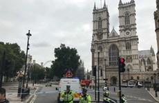 Cảnh sát chống khủng bố Anh điều tra vụ đâm xe ngoài tòa nhà Quốc hội