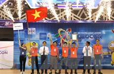 Đội tuyển Việt Nam 2 vô địch cuộc thi ABU Robocon năm 2018