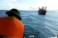 Cứu hộ kịp thời tàu cá cùng 17 thuyền viên bị nạn trên biển