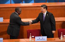 """Đổ """"núi"""" tiền vào châu Phi, Trung Quốc đang tìm kiếm lợi ích gì?"""