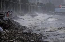 Hình ảnh siêu bão Mangkhut cày nát Philippines với sức gió hủy diệt