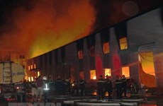 Bình Dương: Cháy nhà xưởng rộng gần 1.000m2, người dân hoảng loạn
