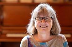 Tiến sỹ Strickland - nguồn cảm hứng để nữ giới theo đuổi khoa học