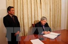 Thủ tướng Algeria viếng, ghi sổ tang nguyên Tổng Bí thư Đỗ Mười