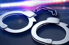 Bắt giữ 5 đối tượng trộm cắp tài sản, tàng trữ vũ khí quân dụng