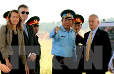 Hình ảnh Bộ trưởng Quốc phòng Hoa Kỳ thăm sân bay Biên Hòa