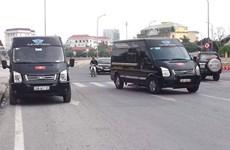 Bến xe Ninh Bình náo loạn vì lái xe khách tụ tập phản đối xe Limousine