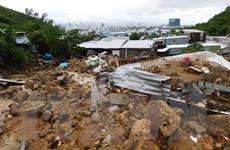 Điện thăm hỏi các tỉnh Nam Trung Bộ bị thiệt hại do bão số 8 gây ra