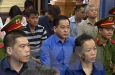 """Xét xử vụ án tại Ngân hàng Đông Á: Trần Phương Bình, Vũ """"nhôm"""" hầu tòa"""