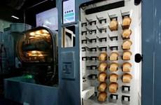 Thích thú với chiếc máy tự động sản xuất hàng loạt bánh mỳ ở CES 2019