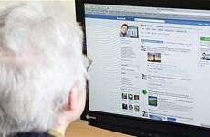 Người cao tuổi chia sẻ tin giả nhiều nhất trên mạng xã hội Facebook