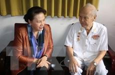 Chủ tịch Quốc hội thắp hương tưởng niệm các nguyên lãnh đạo