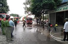 Dập tắt hoàn toàn đám cháy lớn tại cửa hàng giày dép ở Thanh Hóa