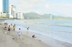 Hai du khách nước ngoài bị đuối nước khi tắm tại nơi có biển cấm