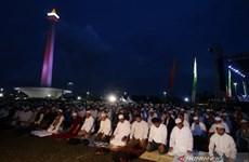 Hàng ngàn người Hồi giáo Indonesia tập trung tại Jakarta để cầu nguyện