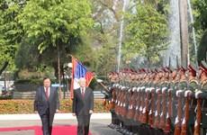 Lễ đón trọng thể Tổng Bí thư, Chủ tịch nước tại thủ đô Vientaine