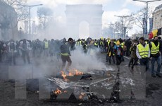 Tổng thống Pháp cân nhắc cấm biểu tình ở Đại lộ Champs Elysees