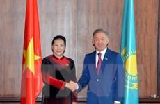 Chủ tịch Quốc hội hội kiến Chủ tịch Hạ viện Kazakhstan