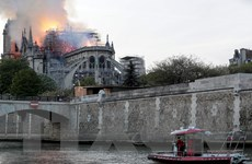Cháy Nhà thờ Đức Bà: Nhiều nhà lãnh đạo trên thế giới chia sẻ với Pháp