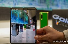 Điện thoại gấp có giá 2000 USD của Samsung dễ bị hỏng, vỡ