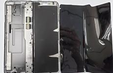 'Mổ máy' Samsung Galaxy Fold, phát hiện bên trong rất lộn xộn