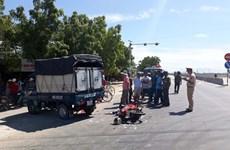 Xe tải va chạm xe máy trên quốc lộ 1A làm 2 người thương vong