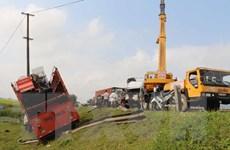 Giải tỏa ùn tắc kéo dài do tai nạn liên hoàn trên đường tránh Vinh