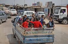 Hàng trăm nghìn người phải lánh nạn vì xung đột ở Tây Bắc Syria