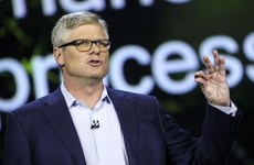 """Đạt thỏa thuận """"đình chiến"""" với Apple, sếp Qualcomm được thưởng lớn"""