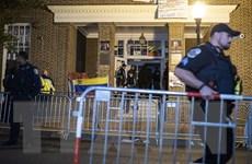 Venezuela lên án Mỹ xâm phạm đại sứ quán tại Washington