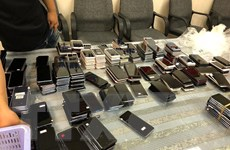 Bắt giữ lô hàng điện thoại lớn chuyển lậu qua đường hàng không