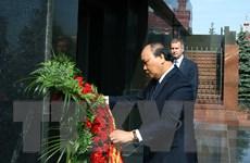 Hình ảnh Thủ tướng Nguyễn Xuân Phúc viếng Lãnh tụ V.I. Lenin