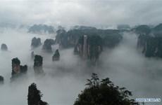 Choáng ngợp với chiếc thang máy cao nhất thế giới ở Trương Gia Giới