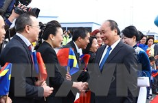 Hình ảnh Thủ tướng đến thủ đô Stockholm, bắt đầu thăm Thụy Điển