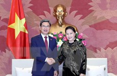 Chủ tịch Quốc hội tiếp Chủ tịch Nhóm nghị sĩ hữu nghị Hàn-Việt