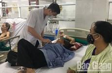 Đi ăn cỗ, 76 người phải nhập viện vì ngộ độc thực phẩm