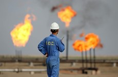 Giá dầu châu Á tăng nhờ Saudi Arabia và Nga ủng hộ giảm sản lượng