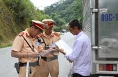 Từ 15/7, Cảnh sát giao thông sẽ tổng kiểm soát xe khách, xe container