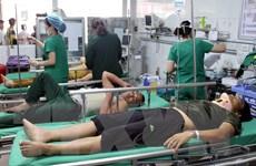Xe khách đâm xe container ở Nghệ An: Chuyển người bị thương ra Hà Nội