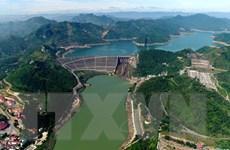 Nước hồ thủy điện Hòa Bình xuống thấp ảnh hưởng đến cấp điện