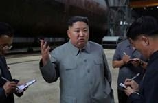 Nhà lãnh đạo Triều Tiên kiểm tra một tàu ngầm mới được chế tạo