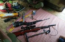 Hưng Yên: Khởi tố ba đối tượng dùng súng tự chế bắn vào nhà dân