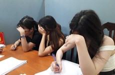 Hà Nội: Đột kích quán karaoke, phá tụ điểm 'bay lắc' của các dân chơi