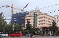 Xây dựng vượt 6 tầng không phép, DIC Corp bị phạt gần 1 tỷ đồng