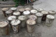 Hải Phòng điều tra vụ đổ trộm chất thải xuống kênh tại quận Dương Kinh