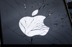 Apple chấp nhận sửa chữa, bảo hành iPhone dùng pin không chính hãng