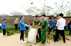 """Chuyện bộ đội giúp dân xóa """"điểm đen"""" rác thải, xây dựng nông thôn mới"""