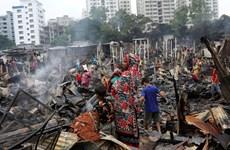 """Bangladesh: Ít nhất 10.000 người mất chỗ ở do hỏa hoạn khu """"ổ chuột"""""""