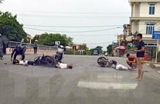 Xe máy đối đầu nhau giữa trưa nắng nóng, khiến 3 người thương vong