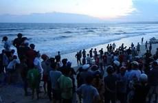 Tìm thấy thi thể 2 trong bốn người mất tích khi tắm biển ở Bình Thuận